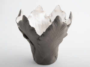 Tulipa Medium Candle Holder - Grey Pearl